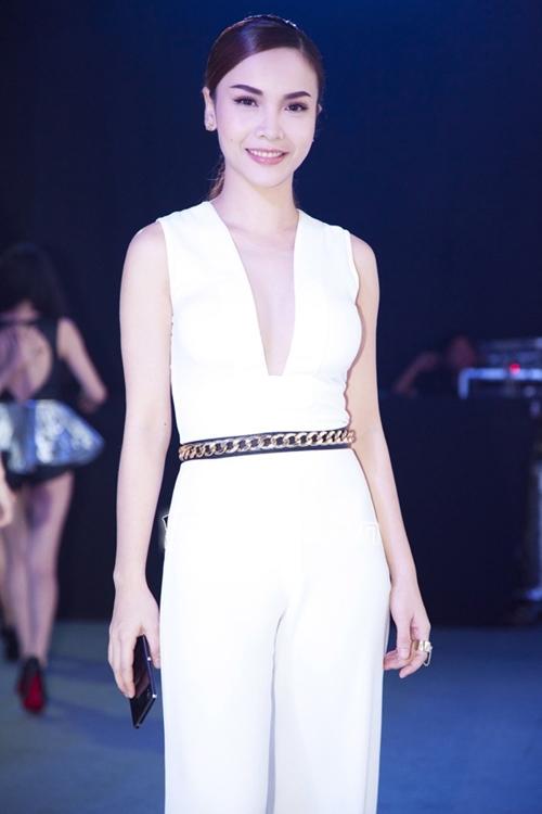 Những mỹ nhân Việt mặc đẹp dù có chiều cao khiêm tốn 25
