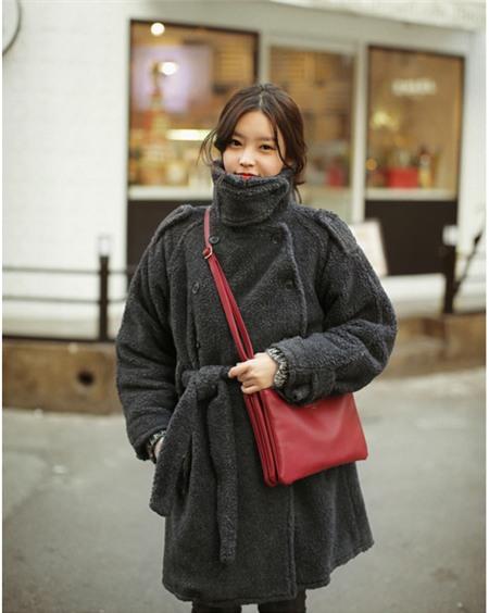 """Bí quyết mặc ấm và phong cách cho những ngày đi làm trời """"siêu lạnh"""" 20"""