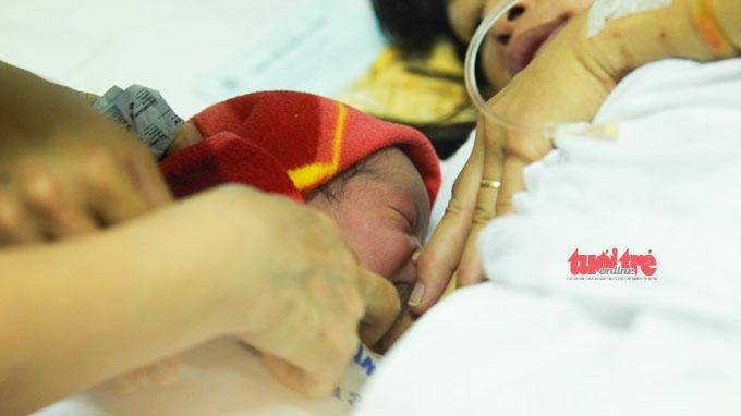 Ngắm bé Nguyễn Thị Thùy Dung - công dân thứ 90 triệu của Việt Nam 4