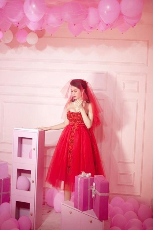 Lâm Chi Khanh xinh đẹp trong váy cưới đỏ rực 3