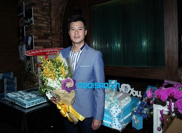 Mẹ Quang Dũng lần đầu xuất hiện trong tiệc sinh nhật sớm của anh 2