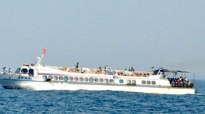 Tàu cao tốc trôi tự do trên biển, hành khách hoảng loạn 1