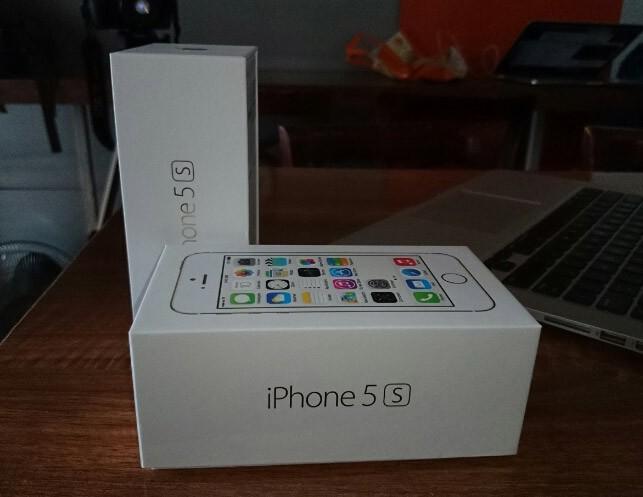 iPhone 5S đầu tiên tại Sài Gòn được bán với giá 52 triệu 1