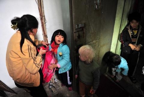 Cuộc sống của người đàn bà nhặt rác với hơn 30 đứa trẻ 7