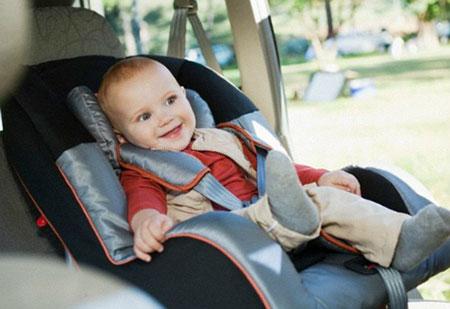 Bên trong ôtô là ổ vi khuẩn gây bệnh 1
