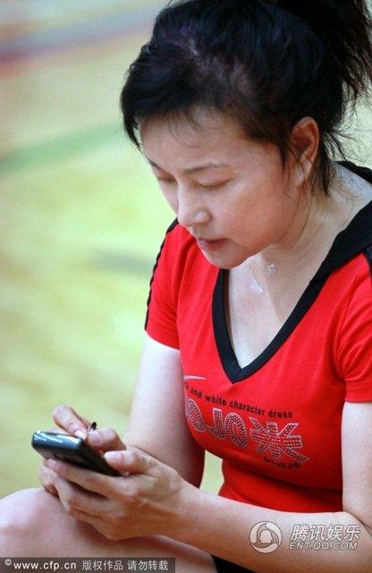Mặt mộc tuổi 63 của mỹ nhân Lưu Hiểu Khánh 1