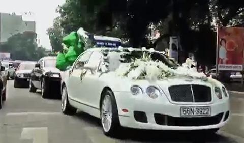 Siêu xe Rolls-Royce, Bentley dài cả phố rước dâu hotgirl 13
