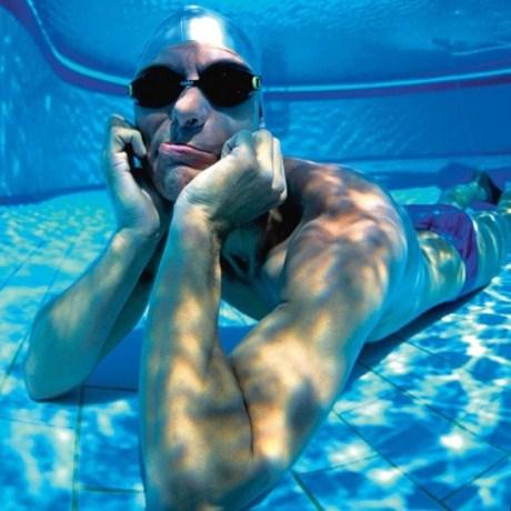 Kỳ lạ người đàn ông có thể nín thở 22 phút dưới nước 1