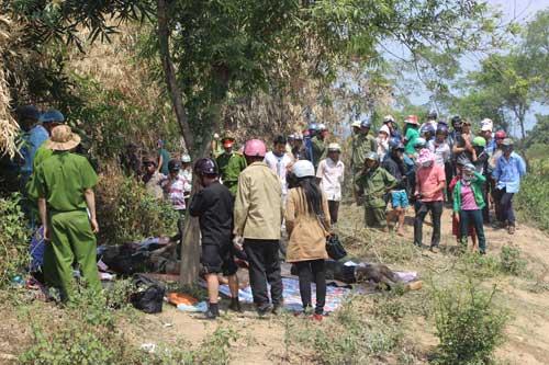 5 học sinh bị vùi chết: Do hầm sập bất ngờ 1