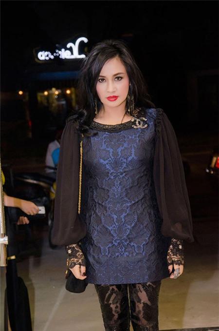 Sao Việt quyến rũ với váy suông 20