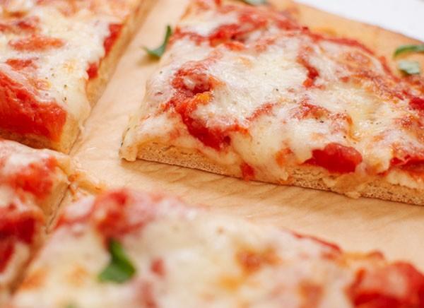 Tự làm pizza kiểu mới ngon mà bổ 8