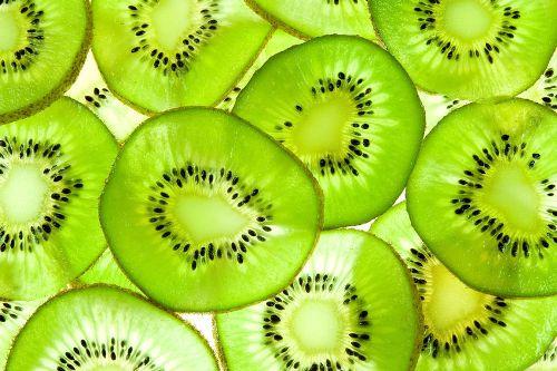 14 lợi ích tuyệt vời khi ăn trái kiwi 1