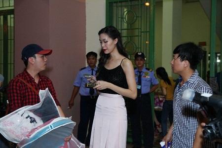 """Hoa hậu Thùy Dung bức xúc bỏ show """"trai đẹp Omar"""" vì bị phân biệt đối xử 5"""