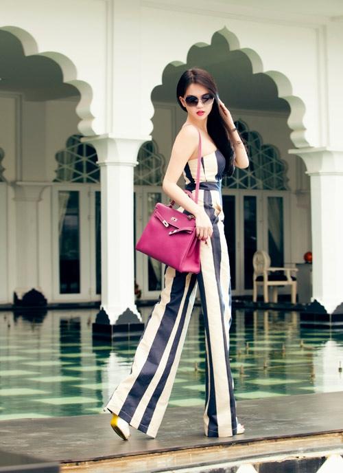 Phong cách thời trang quyến rũ của Ngọc Trinh 7