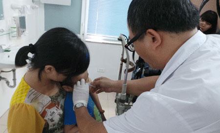 5 trẻ mù mắt vì nhầm tưởng đau mắt đỏ 1