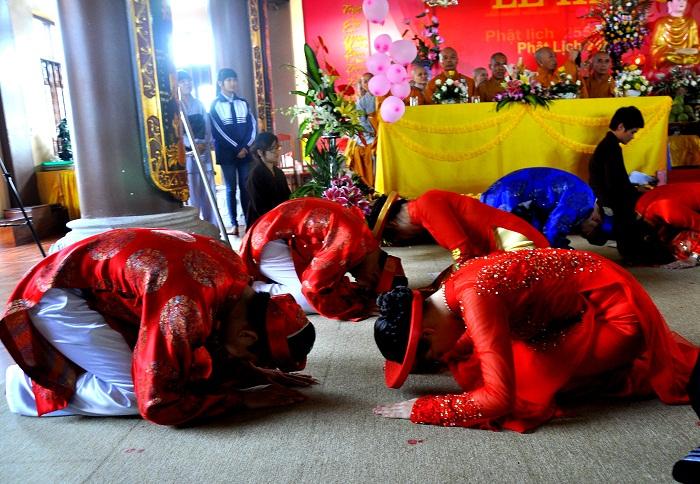 Hà Nội: Kết hôn tập thể theo nghi thức Phật giáo cho 14 đôi tân duyên 9