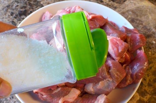 Thịt bò hầm nước cốt dừa 3