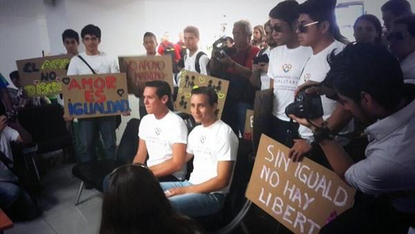 Hàng trăm người bị cưỡng hiếp để... chữa đồng tính 1