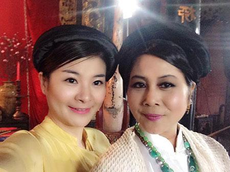 """Minh Hằng làm """"mama Chue"""" trong Táo quân 2014 2"""