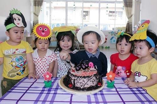 'Đột nhập' lớp mẫu giáo con sao Việt 8