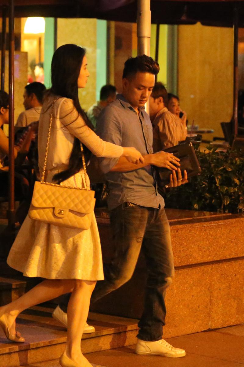 Cao Thái Sơn hẹn hò bạn gái sau nghi án gạ tình hot boy 8