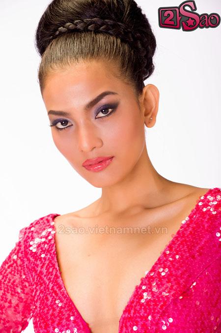 """Miss Universe 2013: Trương Thị May đang bị """"dìm hàng""""? 4"""