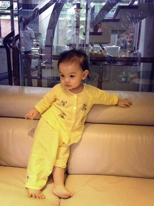 Phạm Quỳnh Anh rạng rỡ mừng sinh nhật con gái 5