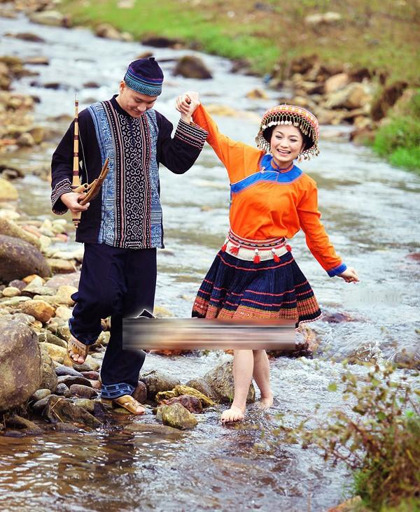 Ảnh cưới độc đáo của các cặp vợ chồng sao Việt 21