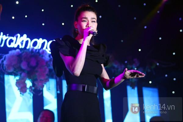 Hà Hồ làm show ủng hộ miền Trung 650 triệu đồng 6
