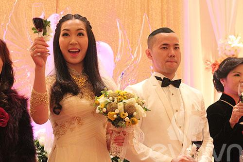 Cận cảnh đám cưới cổ tích của Á hậu Thùy Trang 11