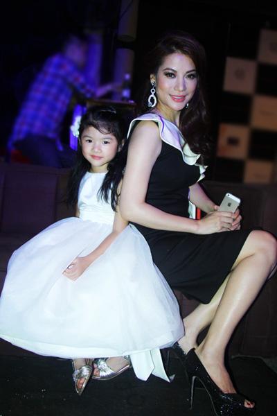 Con gái Trương Ngọc Ánh tự tin lần đầu lên sàn diễn thời trang 3