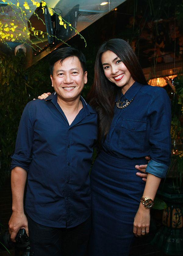 Vợ chồng Tăng Thanh Hà tình cảm đi tiệc 17