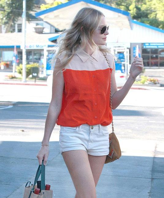 Phối đồ nổi bật cùng 4 kiểu quần trắng phổ biến cho nàng công sở 14