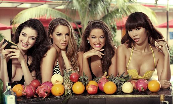 Hà Anh bốc lửa bên top 3 Miss Global 4