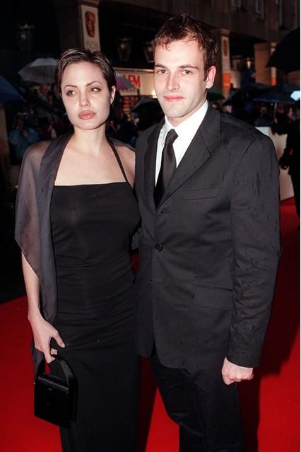 Gu thời trang đáng nhớ của Angelina Jolie 2