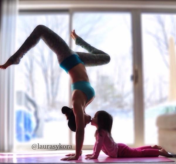 """Chùm ảnh đầy cảm hứng của """"bà mẹ Yoga"""" dáng siêu đẹp 13"""