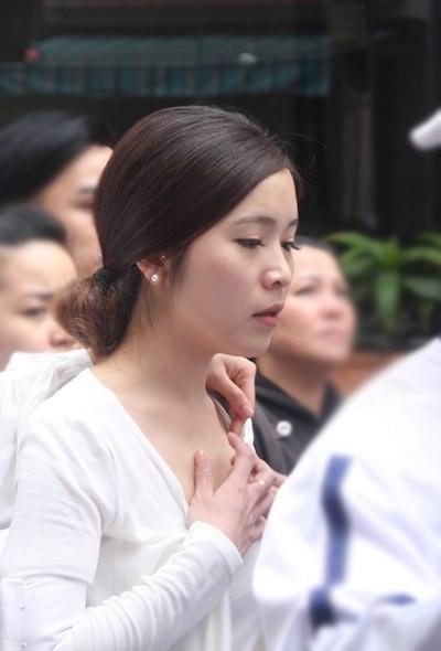 Gia đình và bạn bè đẫm lệ đưa tiễn Wanbi Tuấn Anh 8