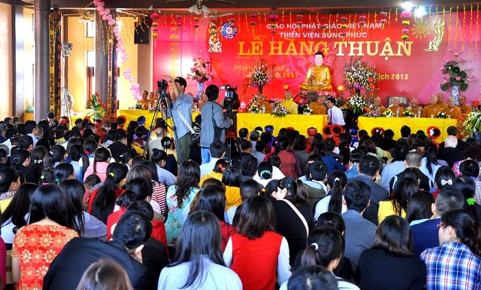 Hà Nội: Kết hôn tập thể theo nghi thức Phật giáo cho 14 đôi tân duyên 14