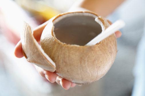 6 lợi ích sức khỏe khi bạn uống nước dừa 1