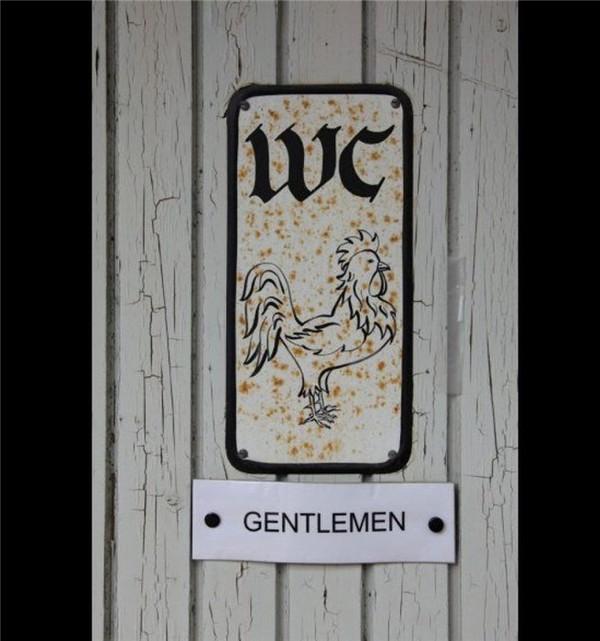 Những biển hiệu toilet kỳ quặc trên thế giới 2