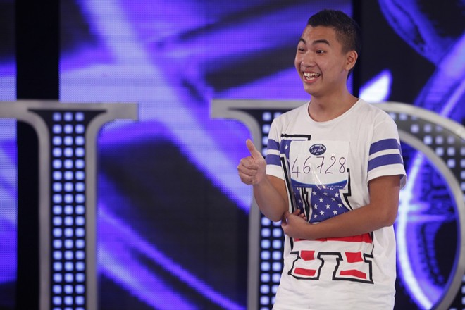 Quân Kun khiến giám khảo Idol hoảng sợ vì màn quỳ van xin 8