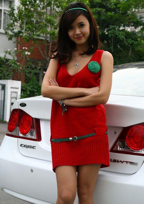 Những hot girl Việt còn ít tuổi mà đã sở hữu xế hộp bạc tỷ 1