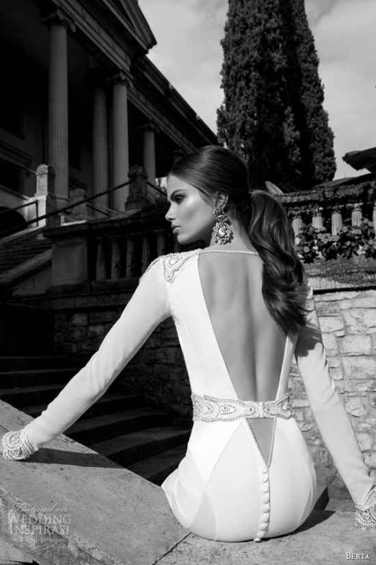Những mẫu váy cưới dài tay đẹp đến khó tin 19