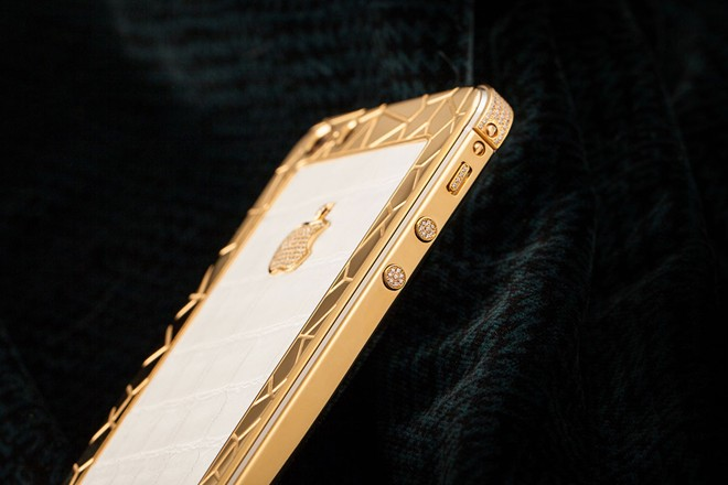 iPhone 5S mạ vàng bọc da cá sấu giá 35 triệu ở VN 4