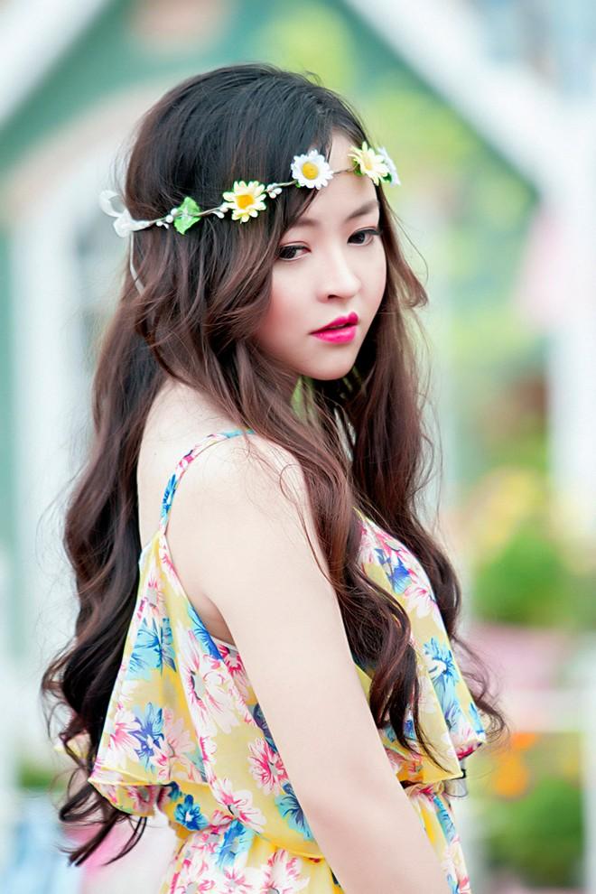 Váy maxi sắc màu lãng mạn cho bạn gái mùa thu 1