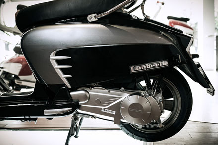 Lambretta ra mắt phiên bản mới màu đen cho năm 2013 11
