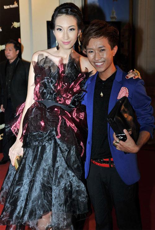 Bàng hoàng gu thời trang kỳ quặc của sao Việt 13