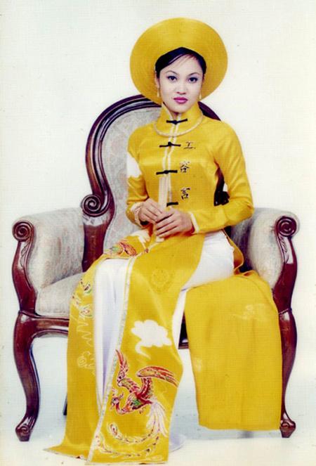 Những người vợ đáng thương nhất showbiz Việt 1