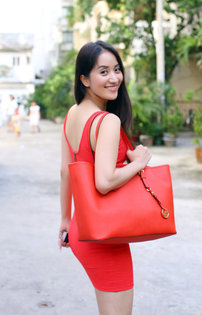 Khánh Thi váy đỏ khoe đường cong quyến rũ 2
