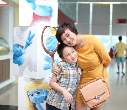 Họa mi Khánh Linh lần đầu dẫn con trai dự ra mắt phim 2